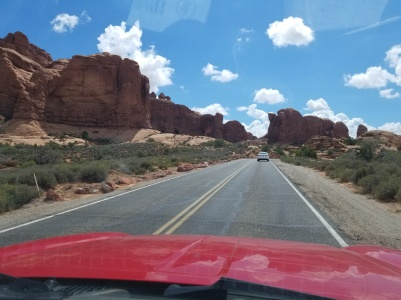 DrivingThroughArchesNP